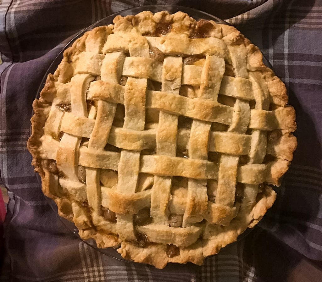 Easy and delicious apple pie recipe using Pink Lady and Granny Smith apples