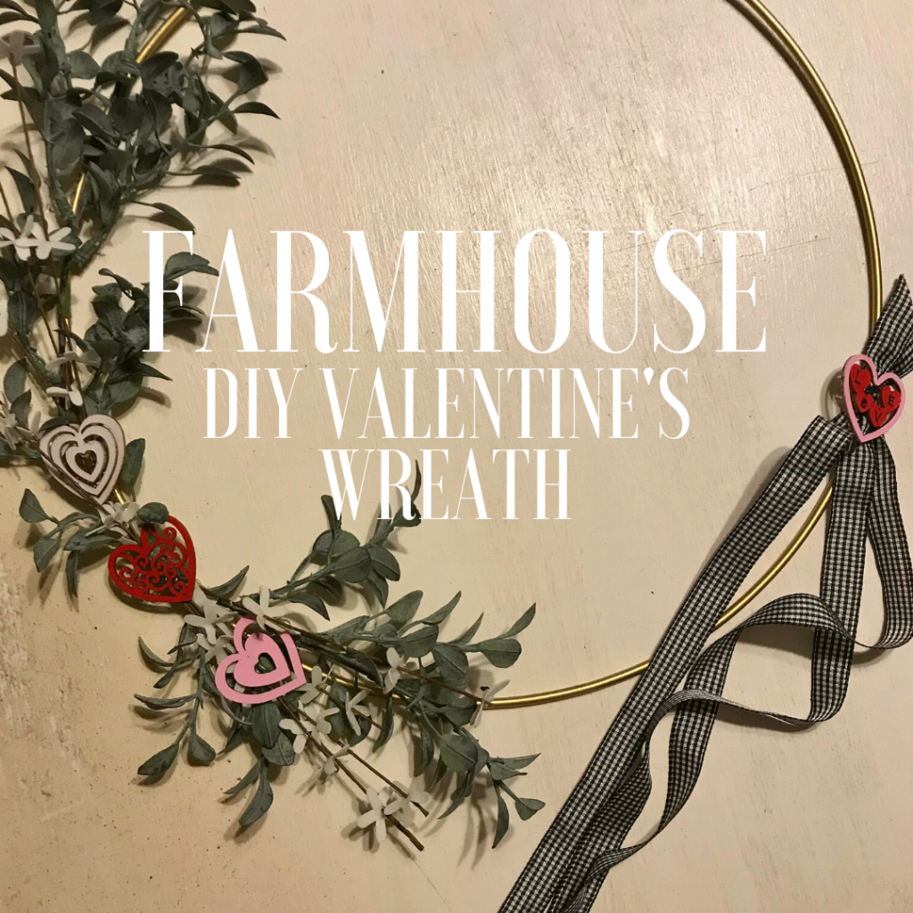DIY Farmhouse Valentine's Wreath. So pretty, romantic and minimalistic. #valentineswreath #farmhouse #diy